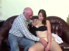 Horny Grandpa With Thick Cock Fickt Seine Stief-enkelin With 18 Years Old